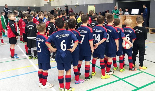 Vorfreude auf ein Turnier, das der Veranstalter auch in der räumlichen kleinen Halle gut organisiert hat.