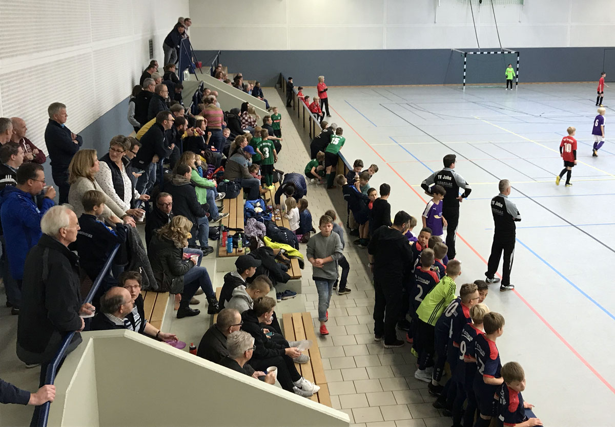 Neben dem sportlichen Abschneiden freuen wir uns auch über den guten Besuch in der Halle und darüber, dass alle Interessierten mit spannenden Spielen und vielen Toren belohnt wurden.
