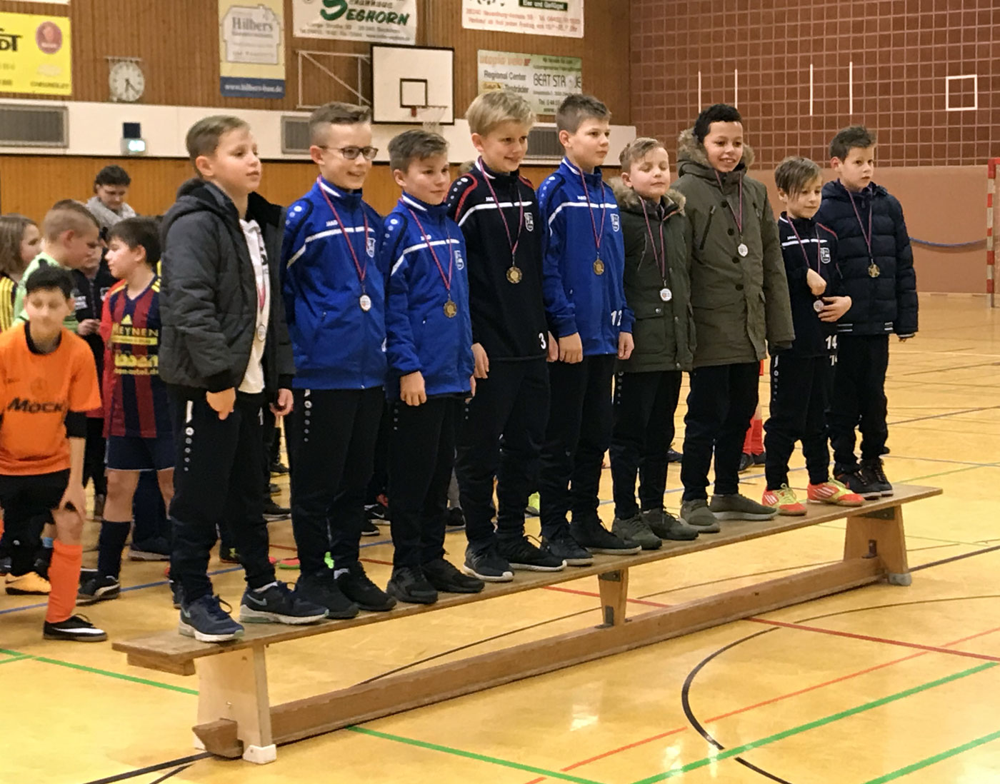 Immerhin das Ziel für die zweite Turnierhälfte haben wir erreicht und treten am Ende mit dem 5. Platz beim Turnier des FC Zetel die Heimreise an.