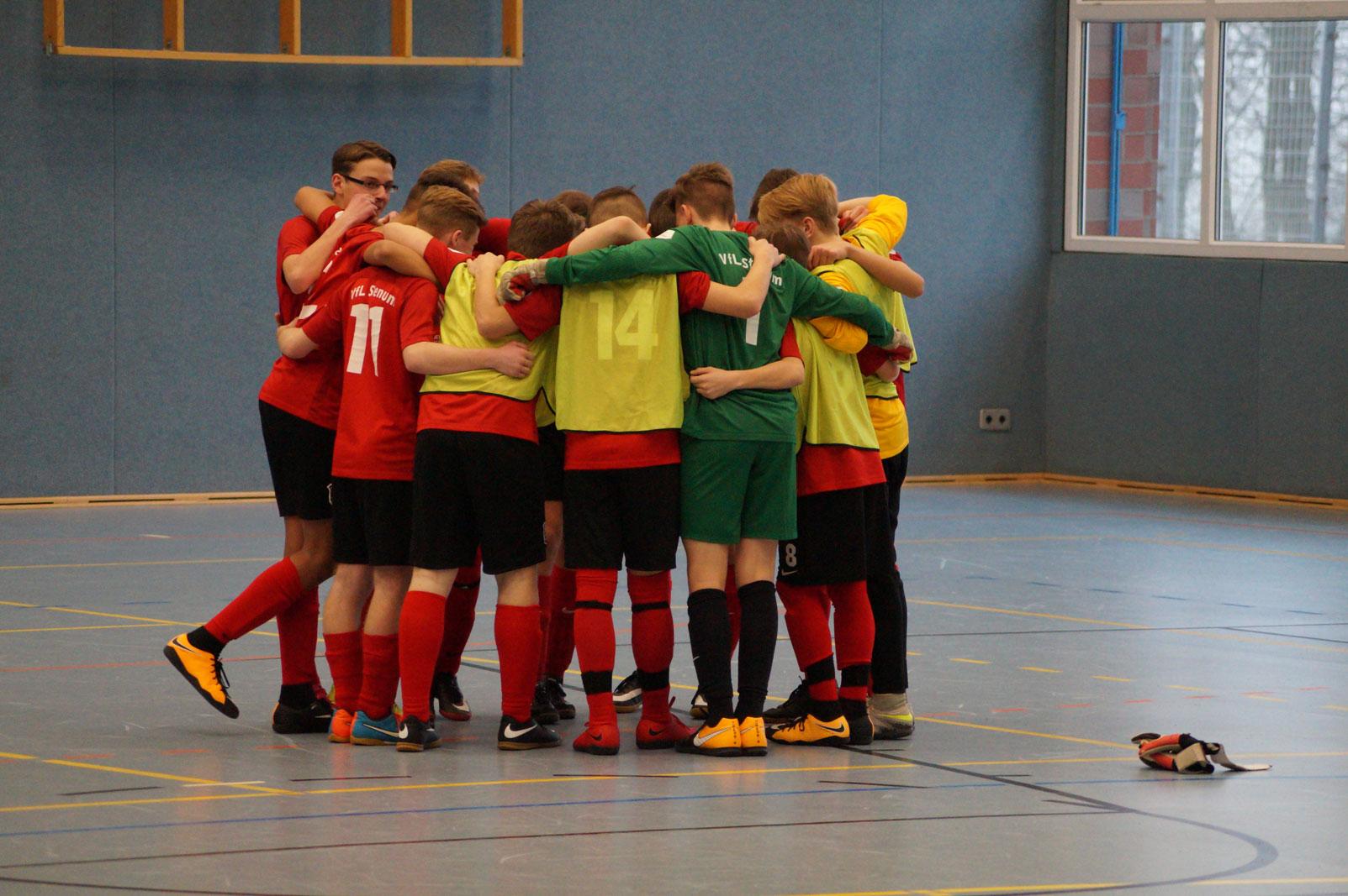 Die VfL Stenum C1 bereitet sich auf ihr drittes Spiel bei der Niedersachsen-Meisterschaft 2018 vor.