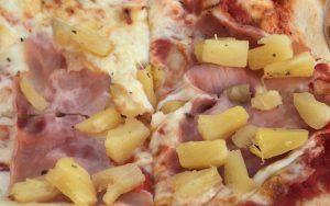 Die Versorgungslage könnte deutlich schlechter sein und mit Pizza wird sich in der spielfreien Zeit auf den zweiten Turnierteil eingestimmt.