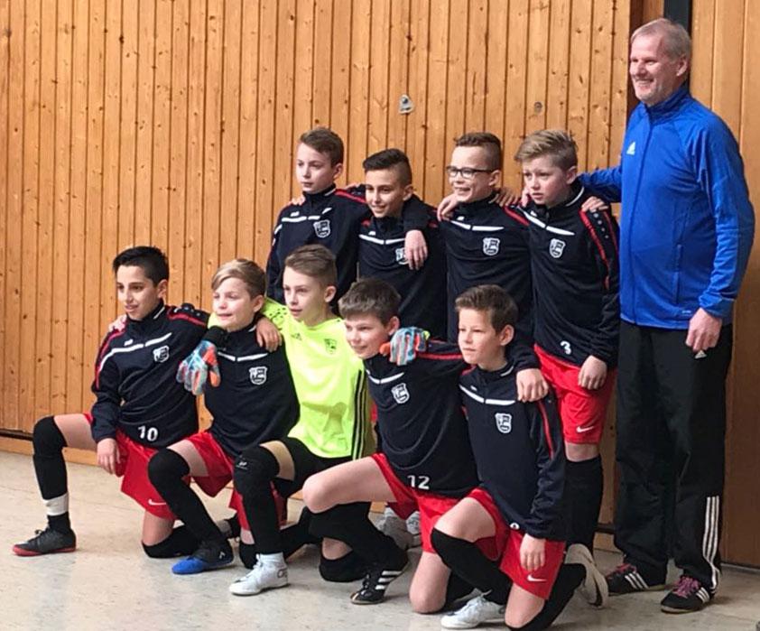 Diese neun Kicker wollen es heute richten und den 11. Puttkammer-Cup der Eintracht Wangerland rocken. Viel Erfolg!