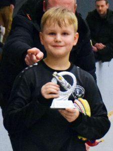 Dylan Marlier vom VfL Oldenburg durfte sich über die Ehrung als bester Torhüter des Turniers freuen.