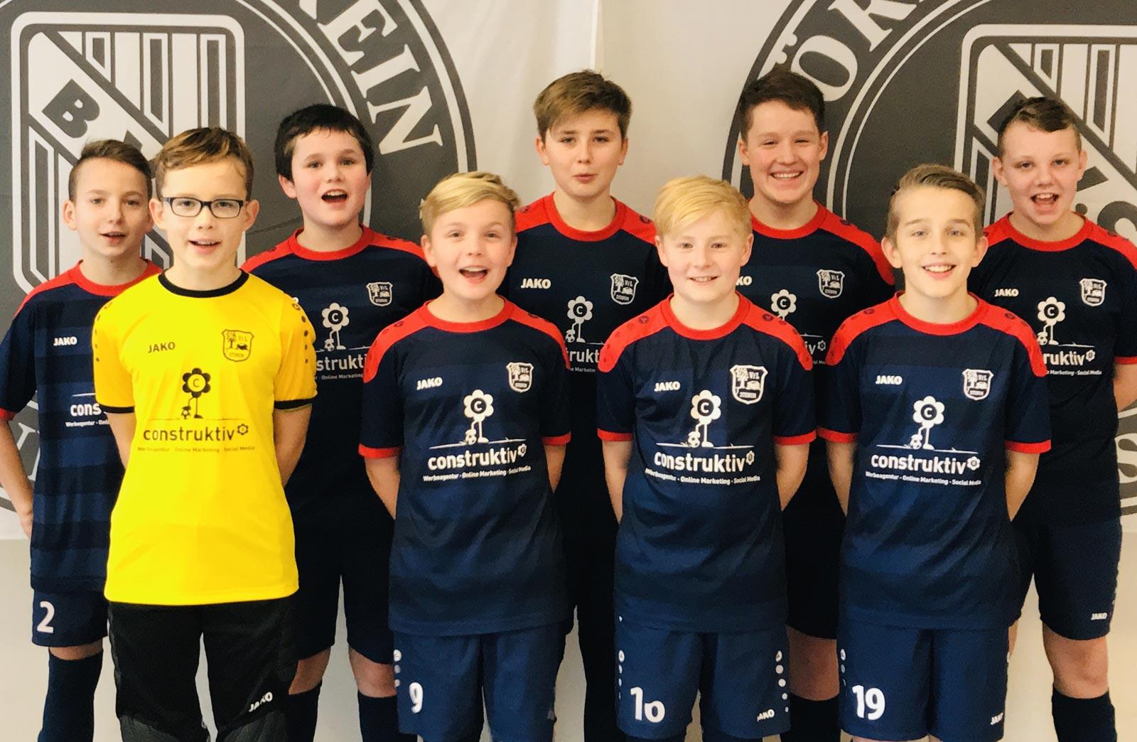 Mit neun Jungs waren wir zum Kaufland Super-Cup nach Cloppenburg gereist, um allen ausreichend Spielzeiten zu ermöglichen, was uns auch in allen Partien konsequent gelang.