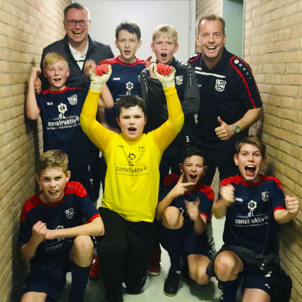 Hoch motiviert und mit großer Freude ging es in den dritten und letzten Akt der diesjährigen Futsal Hallenrunde und den Spaß aus der Kabine brachten die Jungs insgesamt auch erfolgreich auf den Hallenboden.